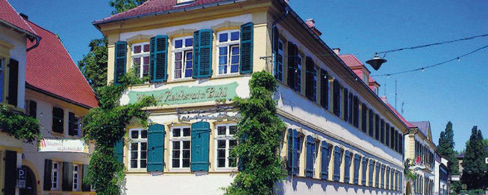 Das imposante Gutsgebäude Reichrats von Buhl in Deidesheim