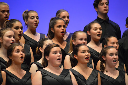 Students performing with El Segundo High School Choir