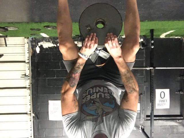 pinch-grip-deadlift
