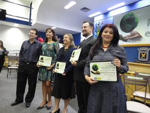 Representantes da Rede Aguapé e Apa para Todos recebem prêmio Ecologia e Ambientalismo
