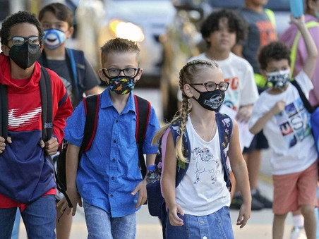 Covid-19: US schools without mask mandates more likely to have outbreaks, CDC finds