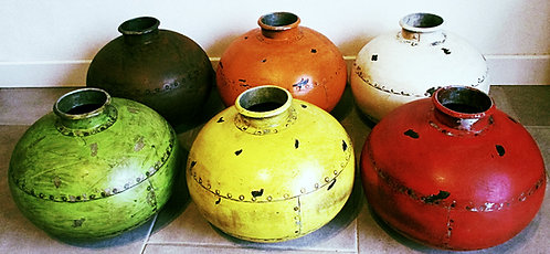 """Réf# 34 """" Iron Pot - Pot à eau """""""