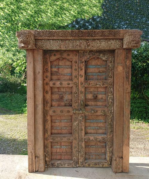 "Ref# P1 ""Authentique Porte Indienne Antique"""