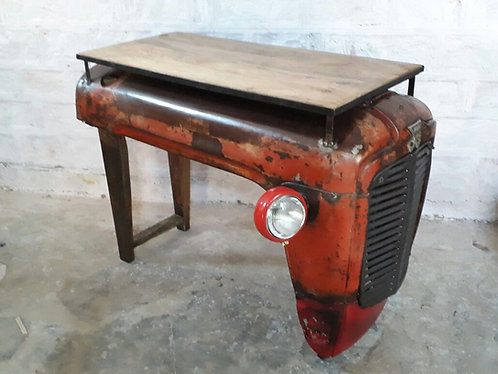 """Ref# 43 """"Tracteur Console Massey Ferguson Authentique"""""""