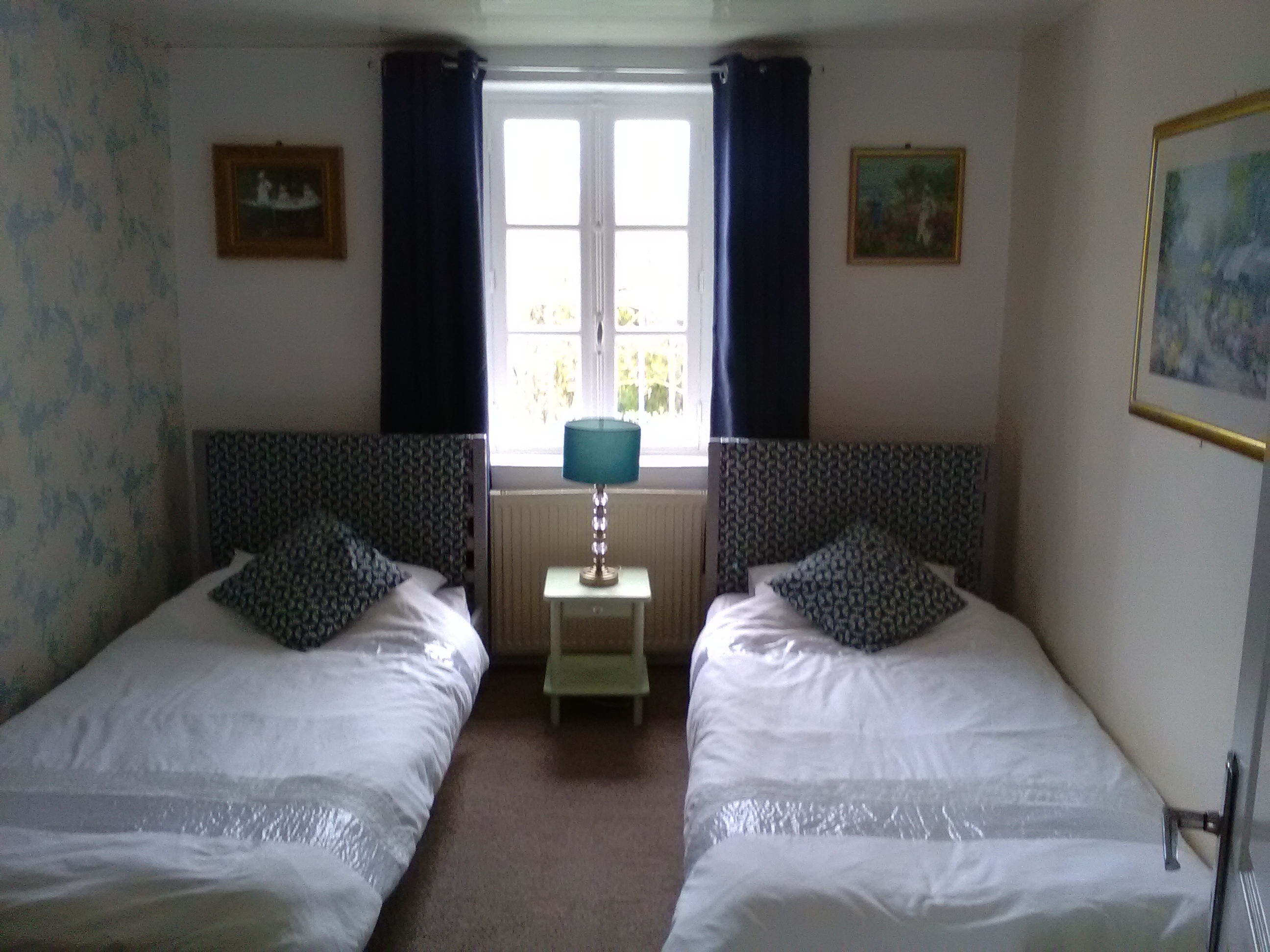 Carnac - Twin bedroom