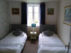 Carnac - Twin bedroom