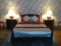 Amorique - ensuite bedroom