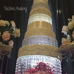 Round Bling Crystal Cake Tower