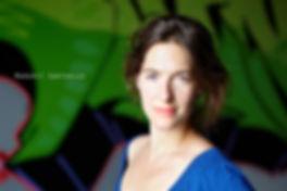 <p>01-07-2010</p>  <p>Margrit Sartorius ist eine deutsche Schauspielerin und steht bei &bdquo;Wie einst Oliver Twist&ldquo; in Stein am Rhein auf der B&uuml;hne. Sie sagte spontan zum Portrait zu, obwohl sie noch nicht in der Maske war. Man merkt ihr an, dass sie gewohnt ist als Profi vor der Kamera zu stehen.<br /> <br /> Sie wirkte bereits als Kind gemeinsam mit ihrer Zwillingsschwester Marie in diversen Kindersendungen des DDR-Fernsehens mit. Nach einer Ballettausbildung studierte sie 1993-1997 Schauspiel an der Hochschule f&uuml;r Musik und Theater in Leipzig und spielte am Staatsschauspiel Dresden. Nach Abschluss ihres Studiums war Margrit Sartorius an den Landesb&uuml;hnen Sachsen und am theater 89 in Berlin engagiert. Seit ihren ersten Hauptrollen im Vierteiler &bdquo;Wozu denn Eltern&ldquo; und im ZDF-Fernsehfilm &bdquo;St&uuml;rmischer Sommer&ldquo; stand sie f&uuml;r zahlreiche Fernsehproduktionen vor der Kamera (u.a. f&uuml;r &bdquo;Siska&ldquo;, &bdquo;SOKO&ldquo;, &bdquo;Der Kriminalist&ldquo;, &bdquo;Doktor Martin&ldquo;, &bdquo;Tatort&ldquo;, &bdquo;Der letzte Zeuge&ldquo;, &bdquo;Polizeiruf 110&ldquo;, &bdquo;Der Alte&ldquo;)</p>
