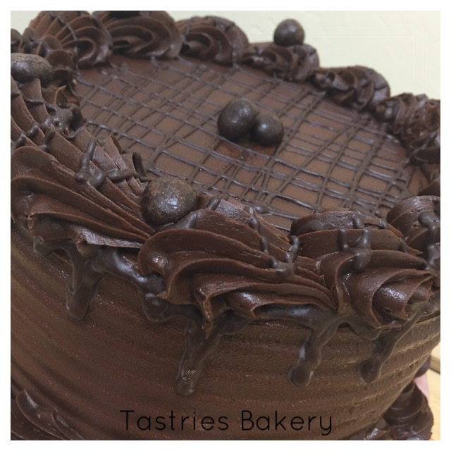 Chocolate Fudge Dessert Cake