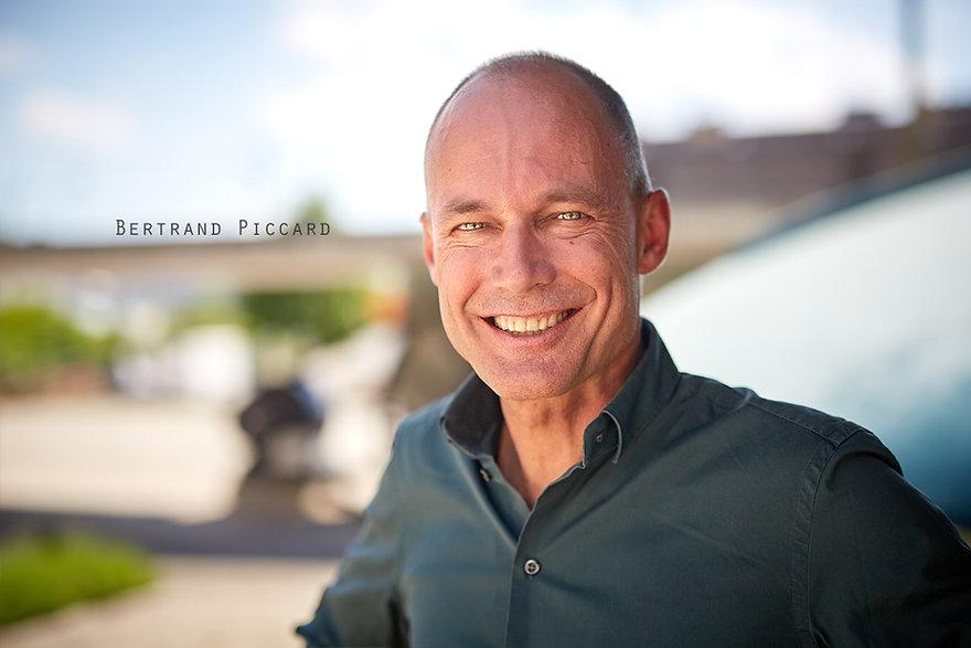 """<p>27-05-2017</p>  <p>Der ber&uuml;hmte Flugpionier und Wissenschaftler Bertrand Piccard besuchte im Mai die EBM. Er war als Referent zur Europakonferenz 2017 der Junior Chamber International (JCI) nach Basel eingeladen worden und unternahm einen Abstecher nach M&uuml;nchenstein. Er&nbsp;war einer Einladung gefolgt, die Solarwerkstatt der EBM kennenzulernen. W&auml;hrend den Aufnahmen dieses Anlasses entstand das Portrait.</p>  <p><span class=""""wixGuard""""></span></p>  <p>&nbsp;</p>"""