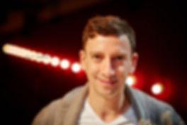 <p>09-04-2013</p>  <p>Rolf Sommer ist freiberuflicher Schauspieler und Musicaldarsteller. Er spielte unter anderem den Hanspeter in der Originalbesetzung von &laquo;Ewigi Liebi&raquo; und den Einb&uuml;rgerungsbeamten Moritz Fischer im Musical &laquo;Die Schweizermacher&raquo;. Seit 2005 geh&ouml;rt er zum festen Kern von Dominik Flaschkas Shake Company am Theater am Hechtplatz. Weitere Produktionen f&uuml;hrten ihn ans Casinotheater Winterthur, ans Theater Rigiblick (Z&uuml;rich), ans Z&uuml;rcher Opernhaus und an die Bad Hersfelder Festspiele nach Deutschland. Mit dem Einpersonenst&uuml;ck &laquo;Heute Abend: Lola Blau&raquo; gastierte er in M&uuml;nchen und Z&uuml;rich. Auftritte in Kinofilmen hatte er an der Seite von Marco Rima (&laquo;Liebling, lass uns scheiden&raquo;) sowie j&uuml;ngst unter der Regie von Michael Steiner (&laquo;Das Missen Massaker&raquo;).</p>