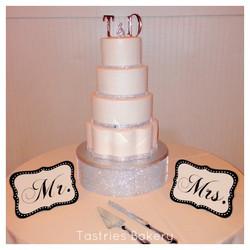 Bling Wedding Cake Stand Rentals