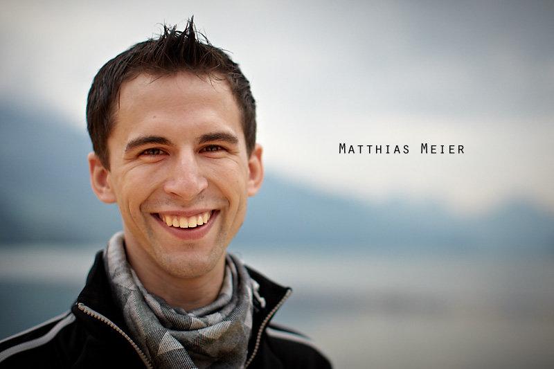 <p>06-08-2010</p>  <p>Matthias Meier kann es gut mit Tieren. Schon in seiner Kindheit dressierte er im Gossauer Walter Zoo Tiere f&uuml;r die allj&auml;hrliche M&auml;rchenauff&uuml;hrung. So bleibt sein zweites Standbein Tierlehrer. Um den Einstieg in die Musicalwelt zu professionalisieren, machte er eine Ausbildung an der StageArt Musical &amp; Theatre School in Adliswil, welche er in diesem Jahr abschloss.<br /> <br /> Seine T&auml;tigkeit als Abendspielleitung und Regieassistenz sieht er als Horizonterweiterung und Weiterbildung als Darsteller. Er m&ouml;chte sp&auml;ter auch einmal selber Regie f&uuml;hren.<br /> <br /> Obiges Bild entstand auf der B&uuml;hne in Walenstadt, wo er die Rolle des Dante spielt.</p>