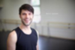 <p>07-06-2010</p>  <p>David Gasser ist Absolvent an der StageArt Musical &amp; Theatre School in Adliswil.<br /> Die Aufnahme entstand w&auml;hrend dem Unterricht im Schulungsraum. Die ersten Fotos bei imScheinwerfer von ihm sind aus dem Jahre 2009 und w&auml;hrend dem Musical Storm entstanden, wo er die Rolle des Alex bekleidete. David wird im Juni den Profiabschluss an der Schule machen und hat bereits bei diversen kleineren und gr&ouml;sseren Schweizer Musical-, Theater- und Kinder-Produktionen mitgewirkt.</p>