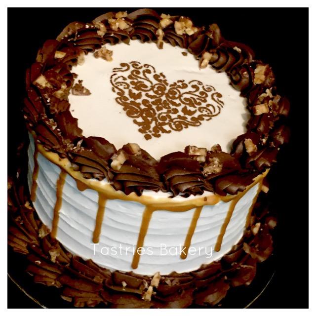 Snickerlicous Dessert Cake