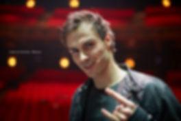 <p>26-02-2013</p>  <p>Christopher Brose spielt in Basel bei &bdquo;We Will Rock You&ldquo; bis Ende M&auml;rz 2013 den Galileo.<br /> <br /> Christopher studierte Musical / Show an der Berliner Universit&auml;t der K&uuml;nste. 2010 schloss er das Studium ab und &uuml;bernahm im selben Jahr die Rolle des Giovanni im St&uuml;ck Die schwarzen Br&uuml;der auf der Seeb&uuml;hne Walenstadt. 2011 spielte er in Berlin zusammen mit dem Galileo aus Z&uuml;rich von 2006, Serkan Kaya, in der Welturauff&uuml;hrung von Udo Lindenbergs Hinterm Horizont.</p>