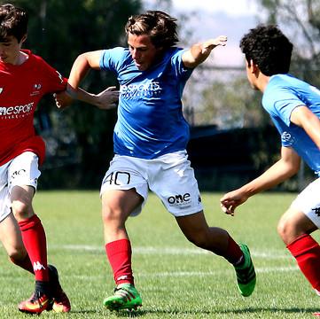 Postula y persigue tu carrera en el fútbol profesional de la mano con los estudios