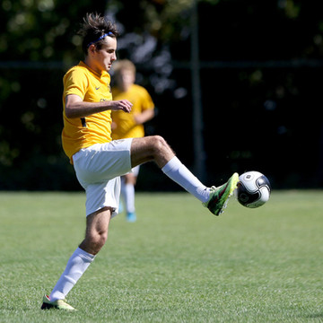 Juan Volker continuará sus estudios en Bethel College gracias a una beca deportiva