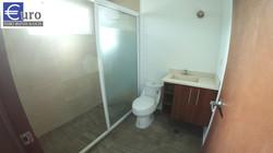 Baño completo tercer piso.