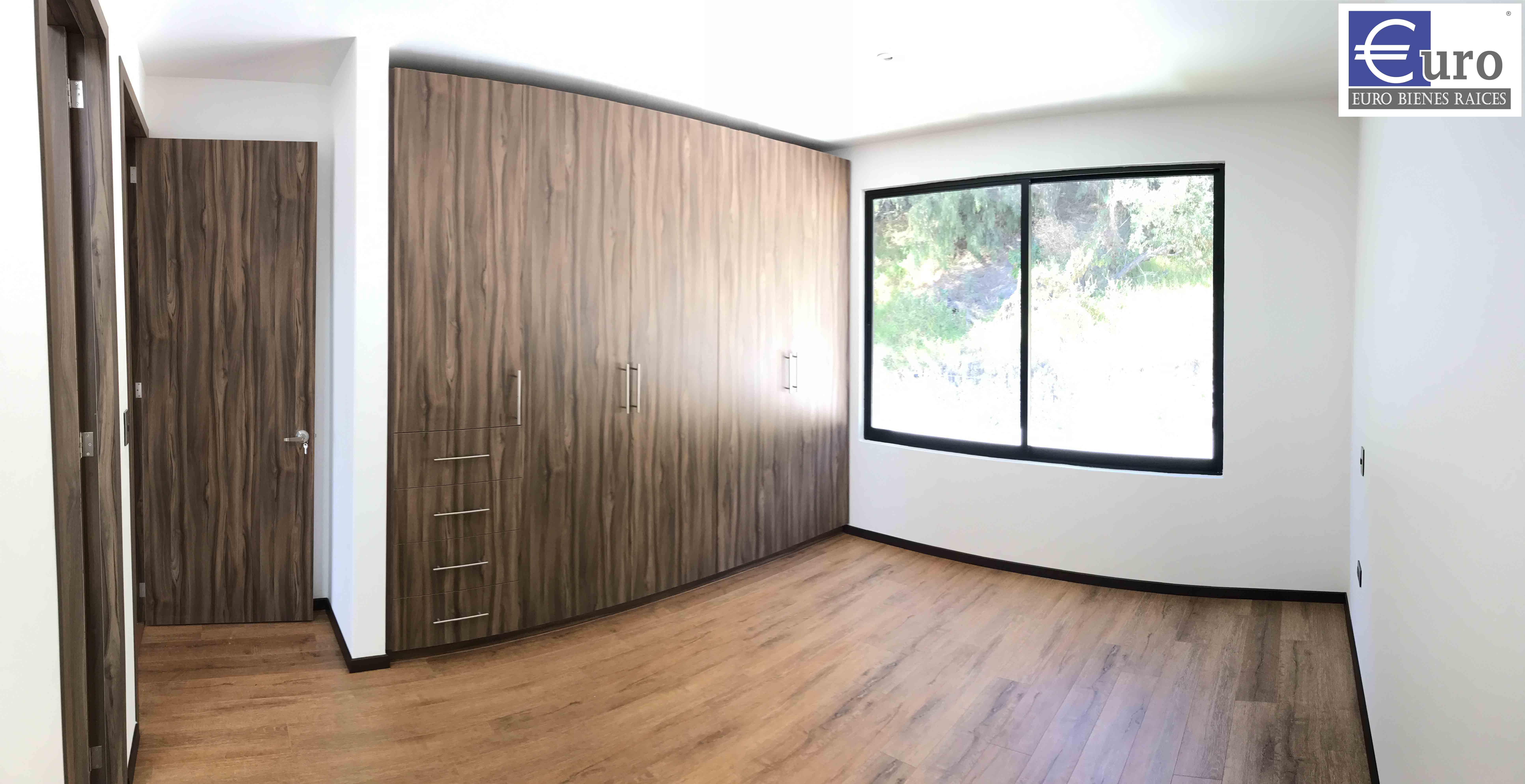 Habitación con baño.
