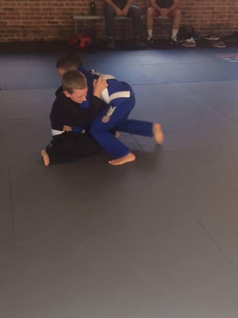 kids-rolling-jiu-jitsu-life