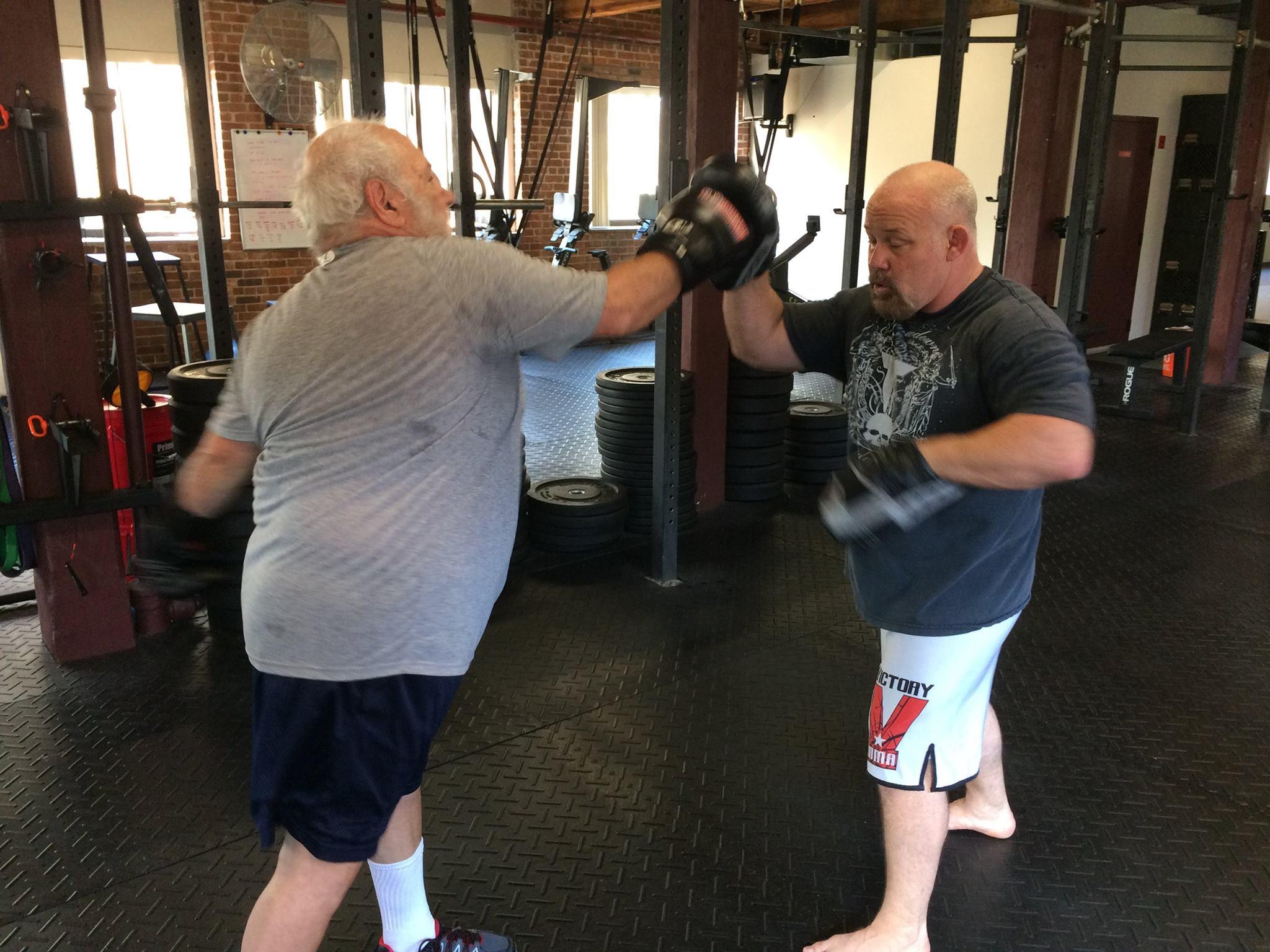 sarg-teaching-boxing