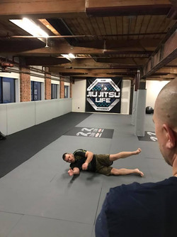 dean-teaching-at-jiu-jitsu-life