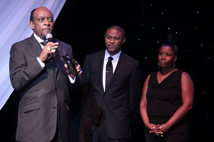 #Recap the 6th Annual Black & White Ball and #BUZZZINOFFAWARDS Honoring Community Hero Chris Arnold