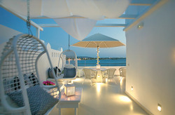 Shared outdoor lounge for two Superior rooms
