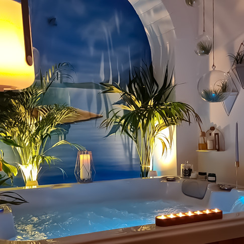 Spa tub for two...