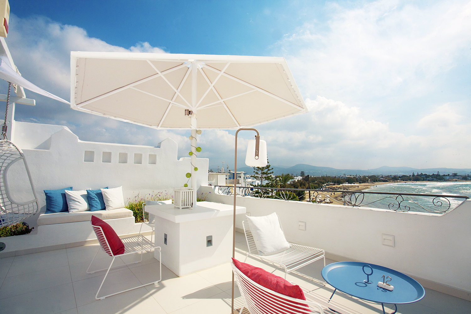 Shared outdoor lounge for two Superi