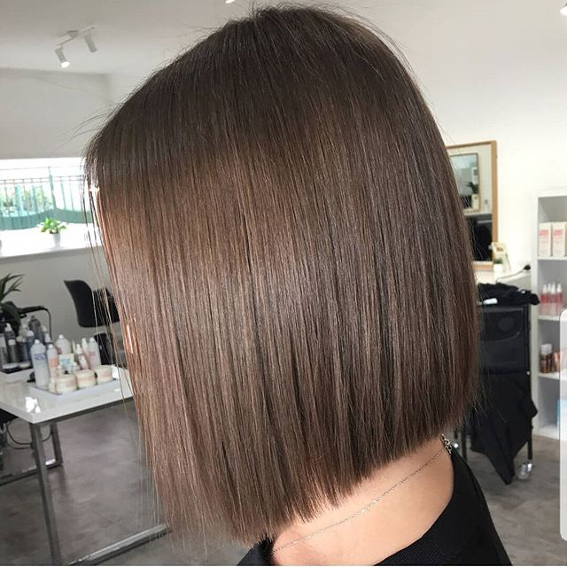 This cut and colour is on trend this winter 👌 created by Mikayla ✅_._._._