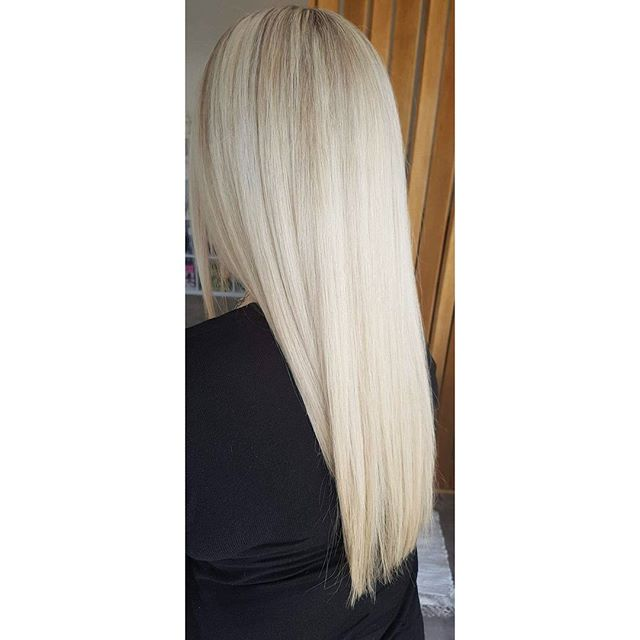 Creamy dreamy blonde just in time for summer 😍😍 Created by our blonde specialist Courtney! ._._