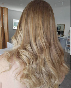 Soft natural blonde👌 created by Lauren. ._._