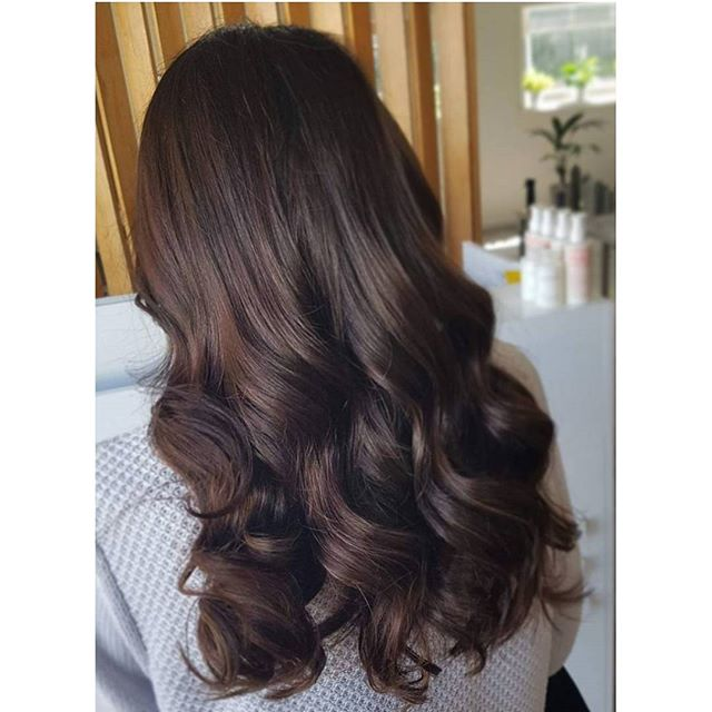 Brunette ✅ Waves ✅ Long hair ✅_._._