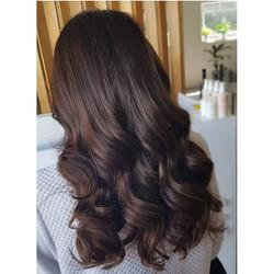 Brunette ✅ Waves ✅ Long hair ✅_._._