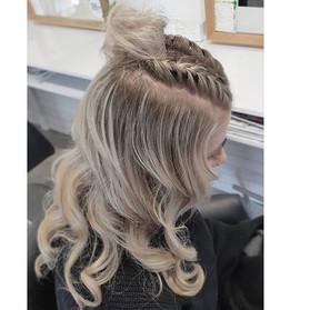 Got to love a fresh clean Blonde ✅ Braid