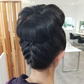 Bun & braids 👌 ._._.jpg