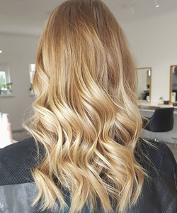 The perfect balayage ✅ created by our amazing colourist Mikayla