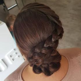 Hair up, created by Lauren 🤗 ._.jpg