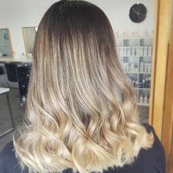 When your client walks in with brown hair and walks out with this 👌🏼 Created by Lauren ._._