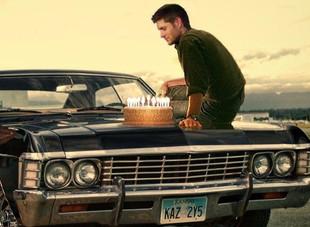 Jensen Ackles é o novo feliz proprietário do icônico Impala de 'Supernatural'