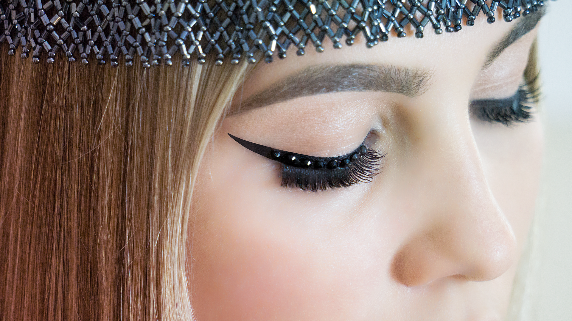 eyeliner-1920x1080