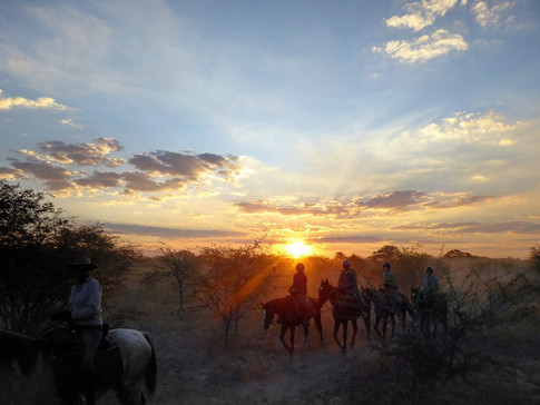 Big Rivers Safari, Marie Louse Agius