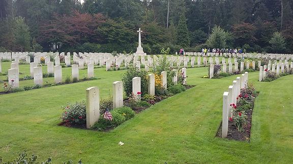 WW2 cemetery big battlefield bike ride