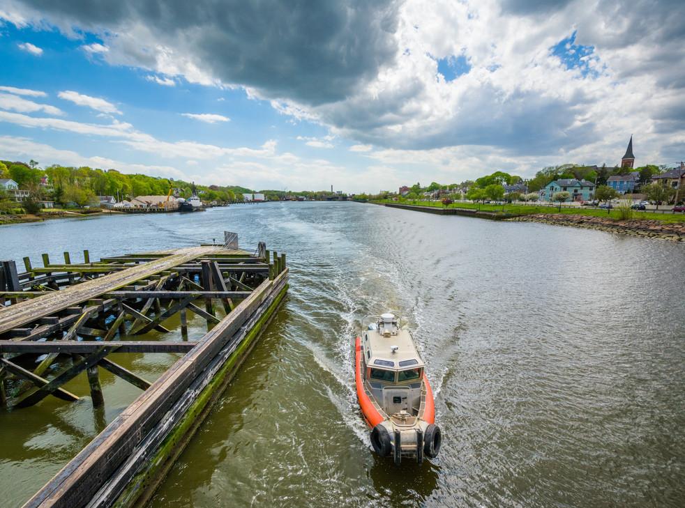 Quinnipiac River :boat.jpeg