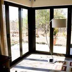 Ukuthula Sunset Cottage Living Room 2
