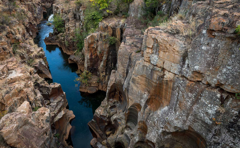 6-panorama-route-potholes-cliff-river.jpg