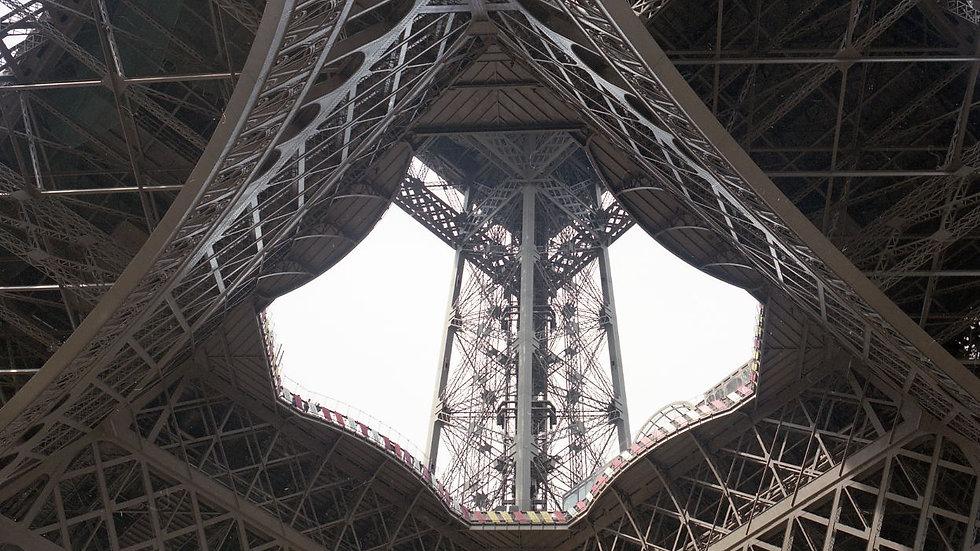 Paris, 1995. 35mm, Leica.